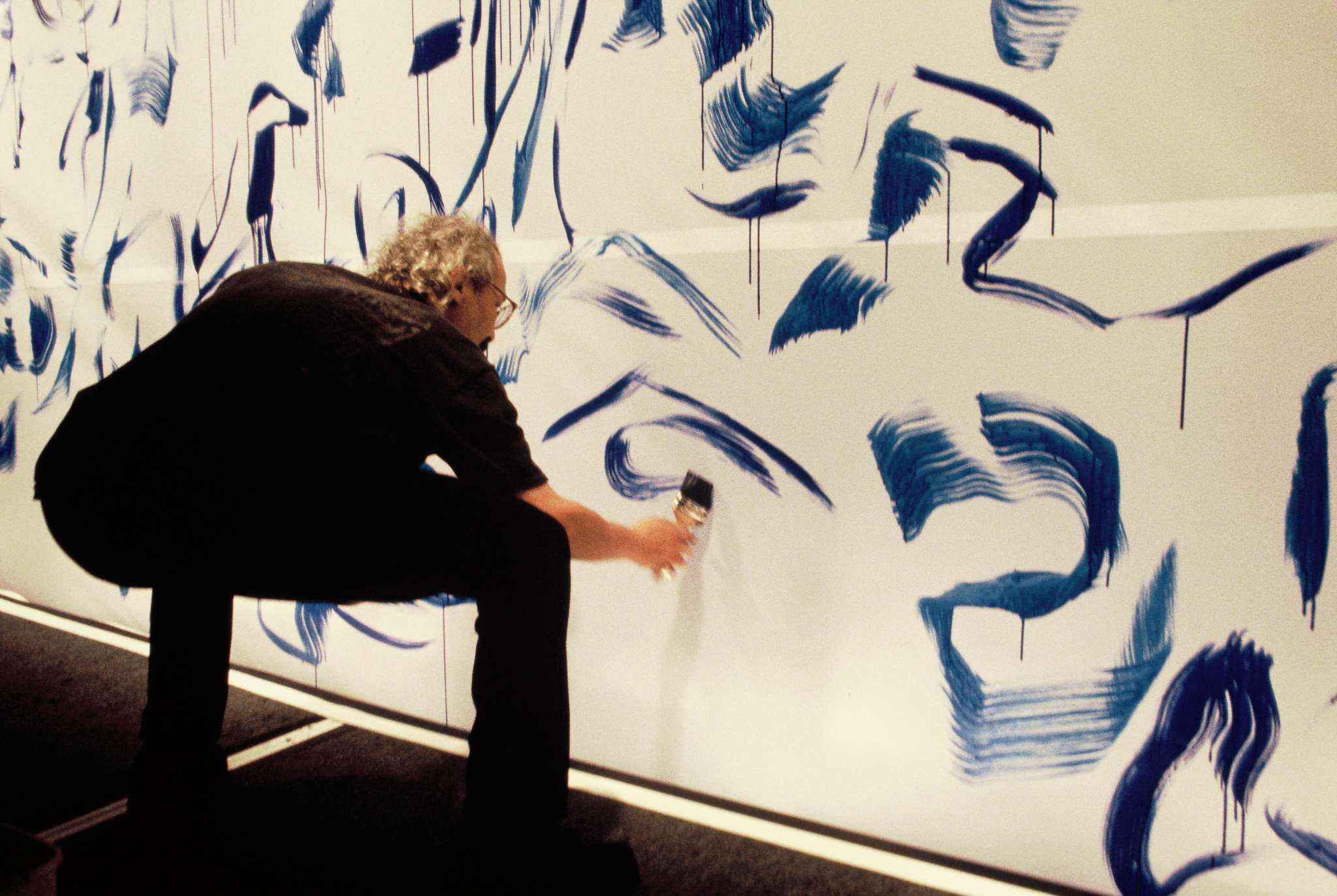 12-mahjoub-ben-bella-peinture-realisee-lors-du-sepctacle-signature-ballet-du-nord-1993